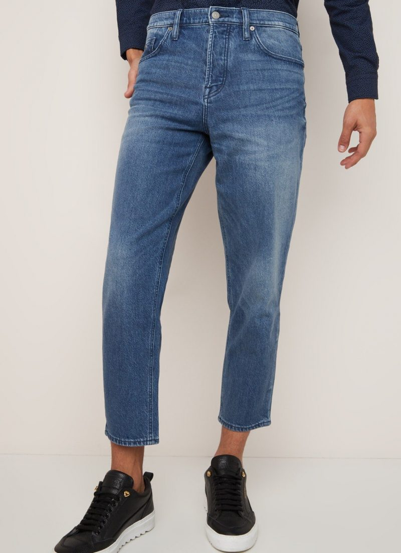 Tapered-fit-jeans