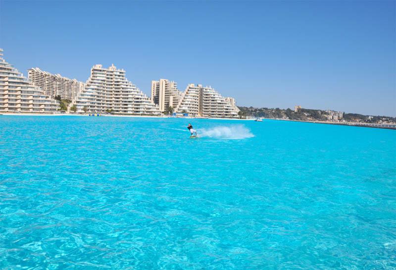 grootste-zwembad-ter-wereld-san-alfonso-del-mar