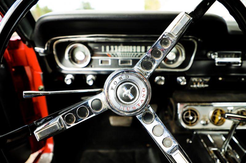 ford-mustang-stuur