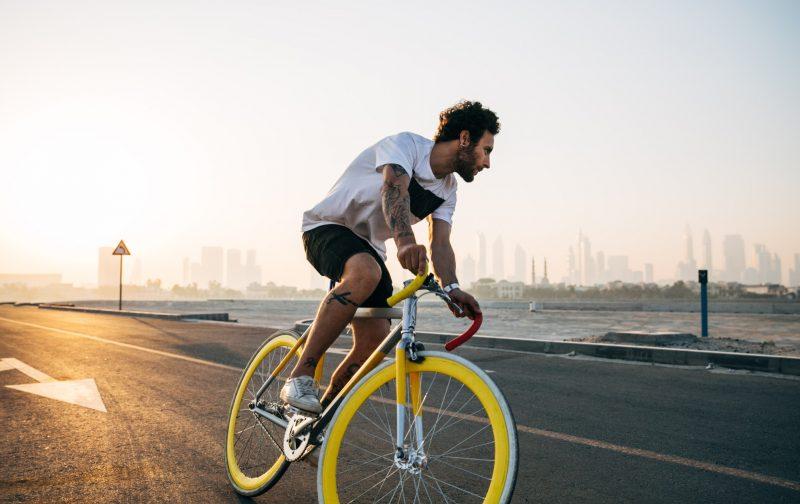 gele-snelle-race-fiets