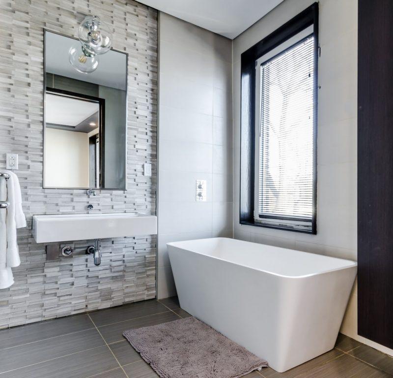 witte-moderne-badkamer