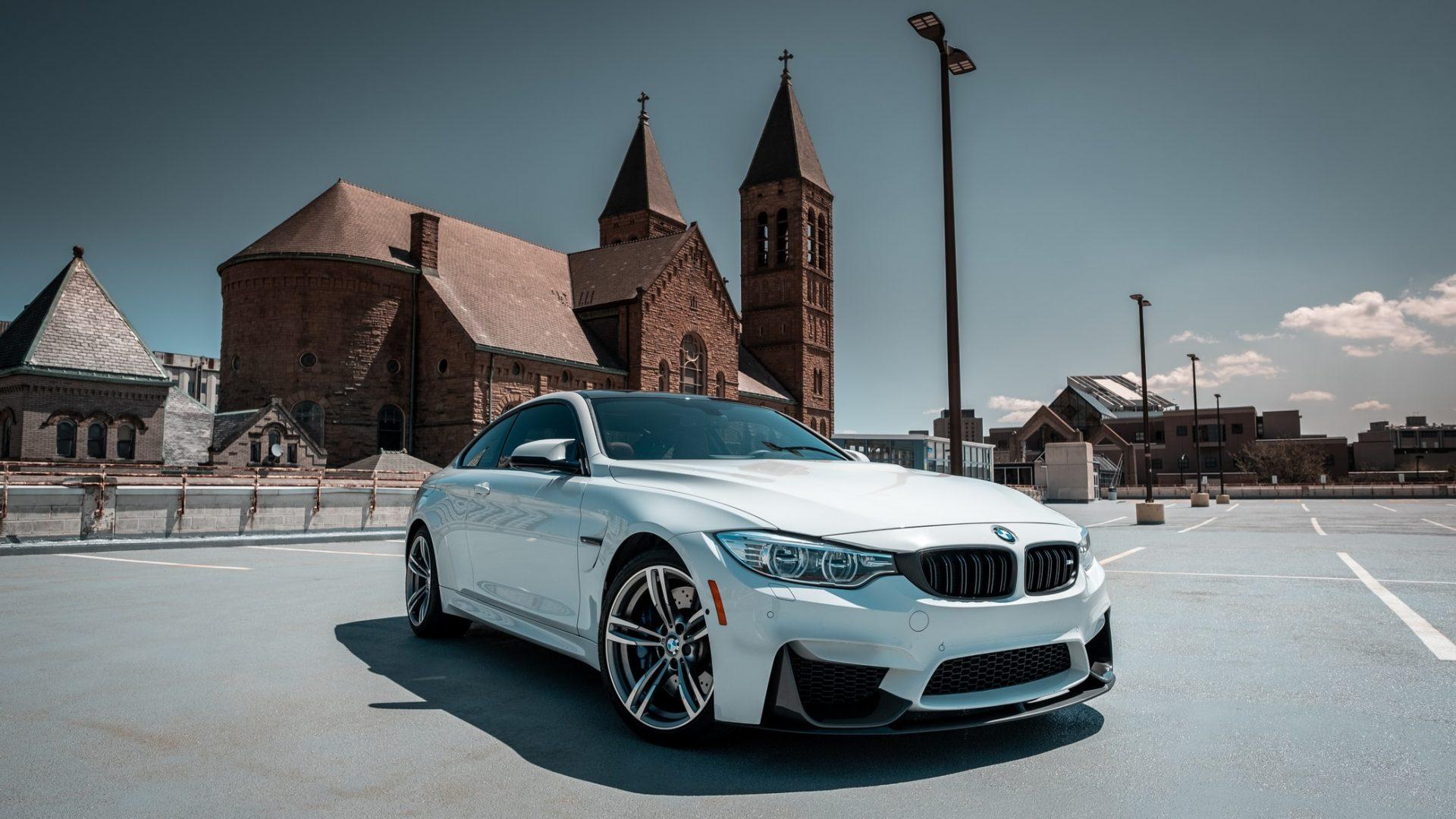 BMW M8-auto