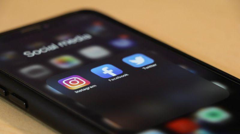 social-media-telefoon