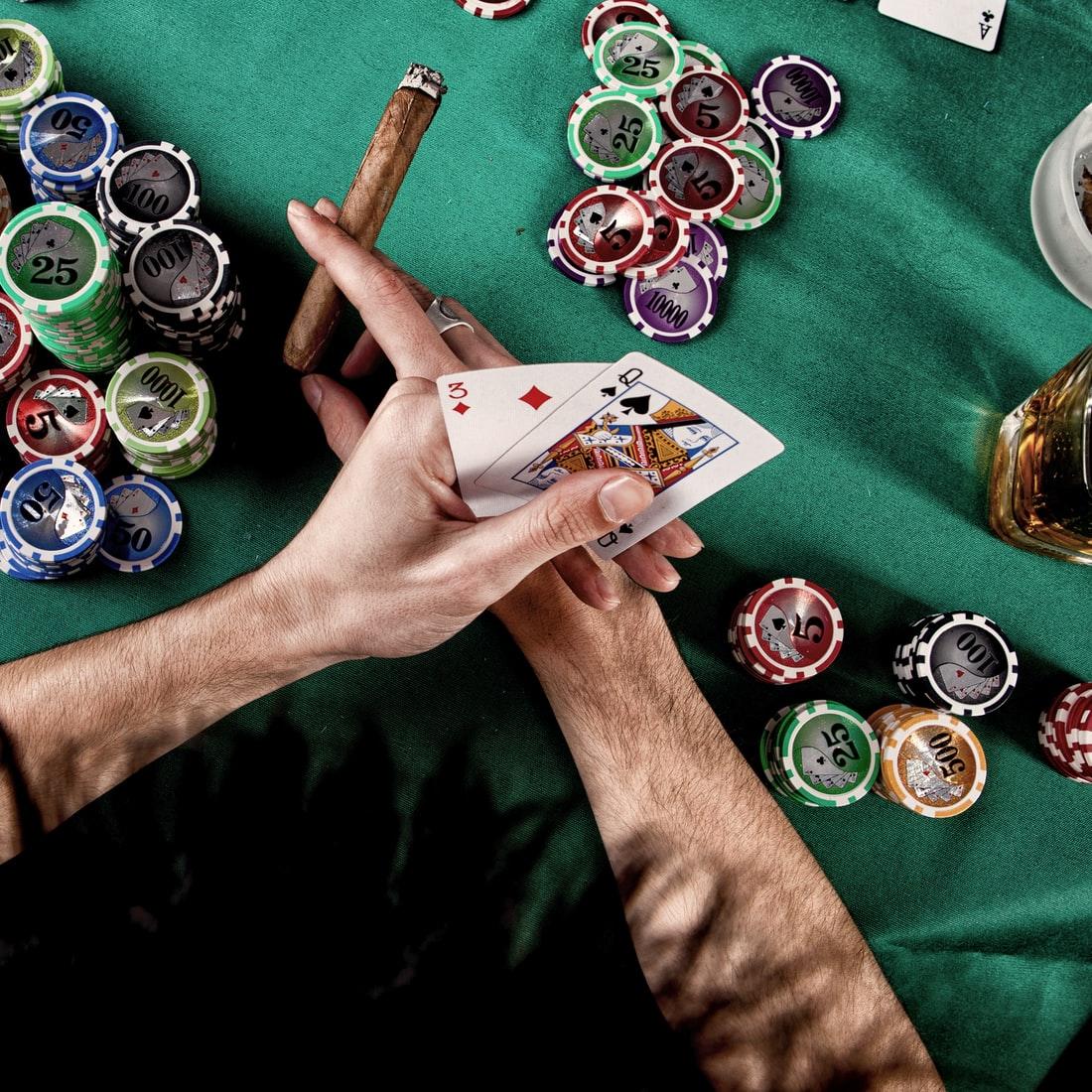 casino-poker-sigaar