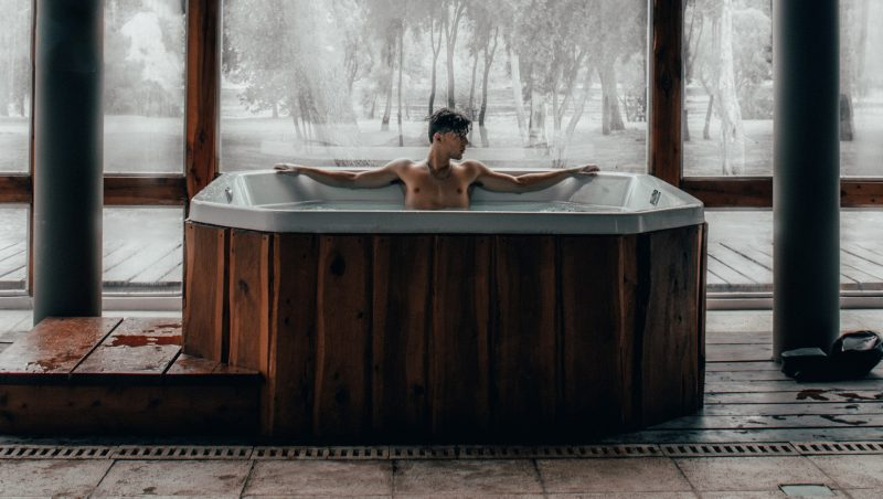 jacuzzi-man-relaxed
