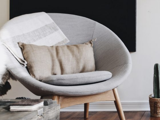 Relaxfauteuil-grijs-woonkamer