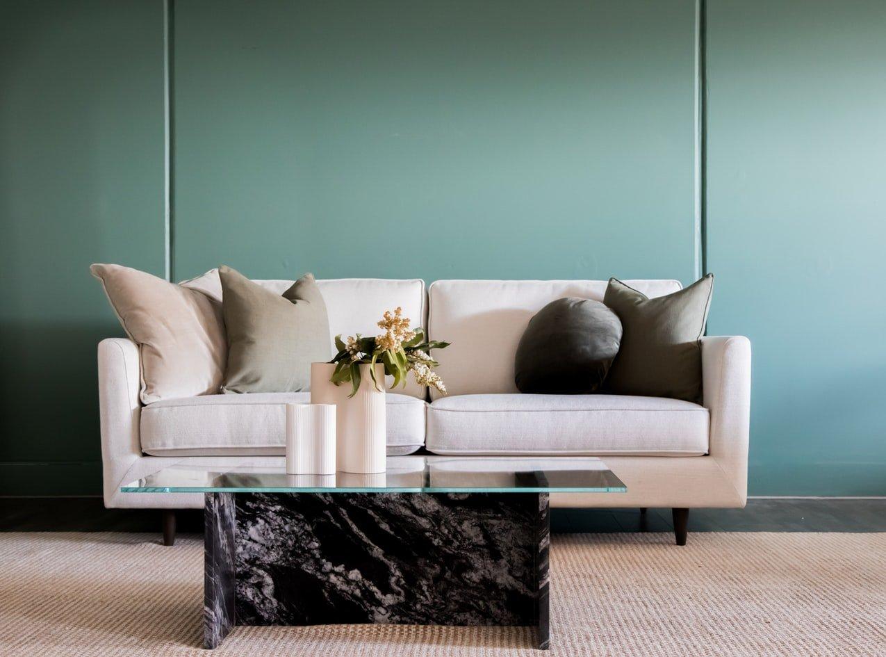 groene-verf-muur-woonkamer